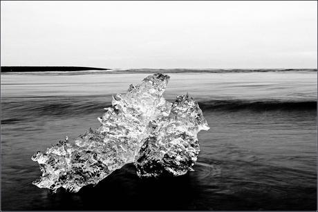 IJsland on the rocks