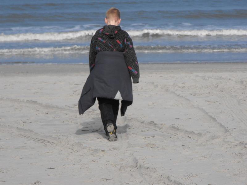 Eenzaam - eenzaam - foto door 112fryslan op 13-06-2011 - deze foto bevat: eenzaam foot prachtig strand zee