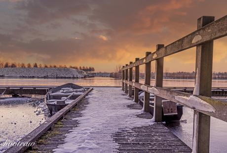 Heusden boten vastgevroren in het ijs