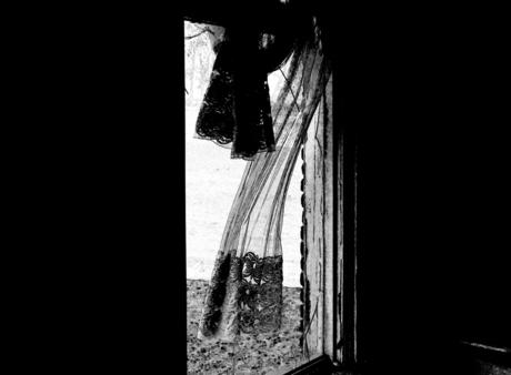 Wat van jou is of van mij, kan het raam uit.