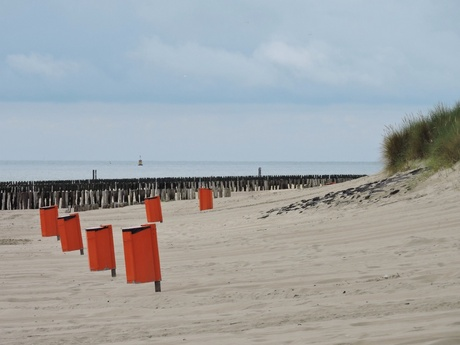 Op strand zijn wij ook voor oranje