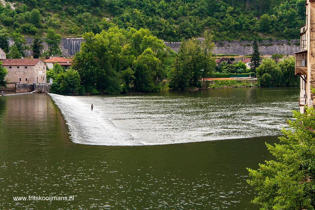 Rivier de Loire bij Cahors - 20100724 Rivier de Loire bij Cahors - foto door fritskooijmans op 11-05-2014 - deze foto bevat: water, frankrijk, rivier, dam, strekdam, loire, cahors