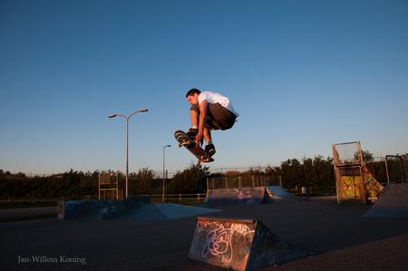 Grap - Lang geleden. altijd leuk om door oude foto's te bladeren - foto door ekstazie op 07-05-2012 - deze foto bevat: sport, katwijk, skate, skater, skateboard, sprong