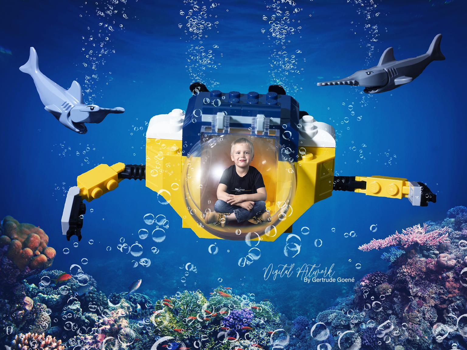 Onderwater duiken - Aryen wilde de onderwater wereld wel eens zien, nou dan gaan we dat toch regelen, zei mama.  En zo het geschiedde. We bouwde de onderzeeer op. En we  - foto door LegoUniverseAryen op 15-04-2021 - deze foto bevat: wereld, water, blauw, mensen in de natuur, azuur, natuurlijke omgeving, organisme, onderwater, gelukkig, vrije tijd