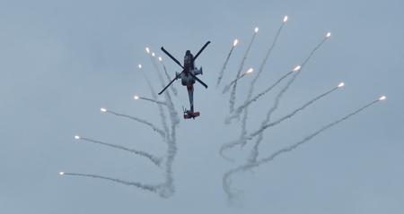 Apache Demo Team - Apache - foto door Sonyjoenka op 22-06-2014 - deze foto bevat: vliegtuig