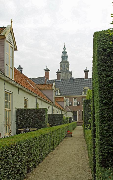prinsentuin Groningen met stukje martinitoren