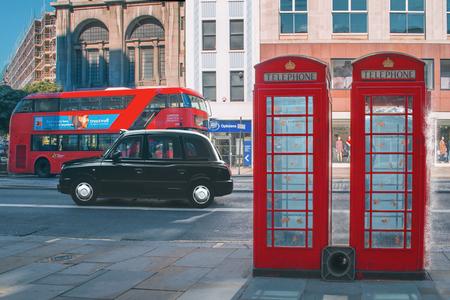 Something fishy in London - - - foto door Elianne92 op 04-07-2020 - deze foto bevat: licht, structuur, bewerkt, fantasie, landschap, kunst, bewerking, sfeer, contrast, photoshop, creatief, textuur, manipulatie, wallpaper, bewerkingsopdracht, bewerkingsuitdaging