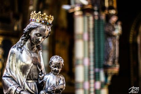 Maria met kinneke Jezus