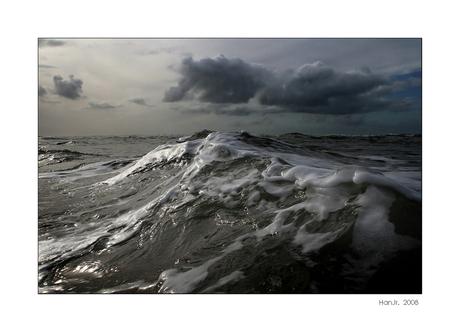 Opzwellende zee