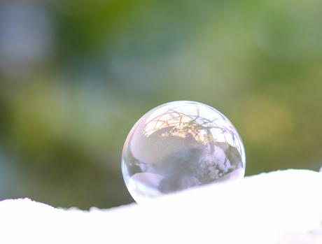Reflectie in (bevroren) zeepbel