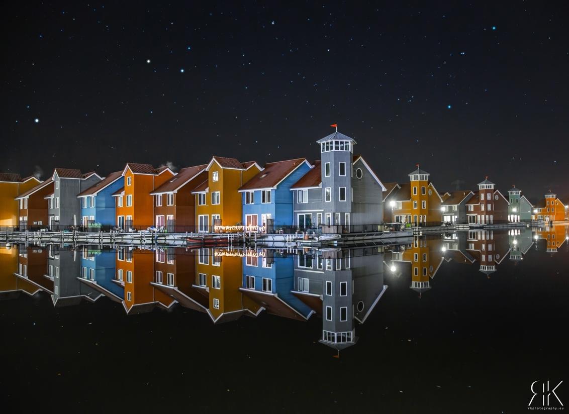 Reitdiephaven,Groningen! - - - foto door Ronaldvanderkloet op 16-12-2016 - deze foto bevat: water, licht, avond, architectuur, gebouw, perspectief, groningen, hdr, lange sluitertijd