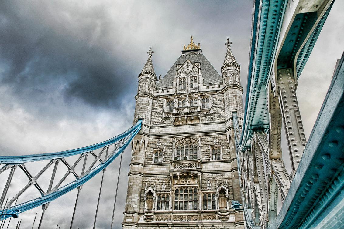 bridge - toch maar wel ;) - foto door dagpaul op 19-06-2009 - deze foto bevat: tower, bridge