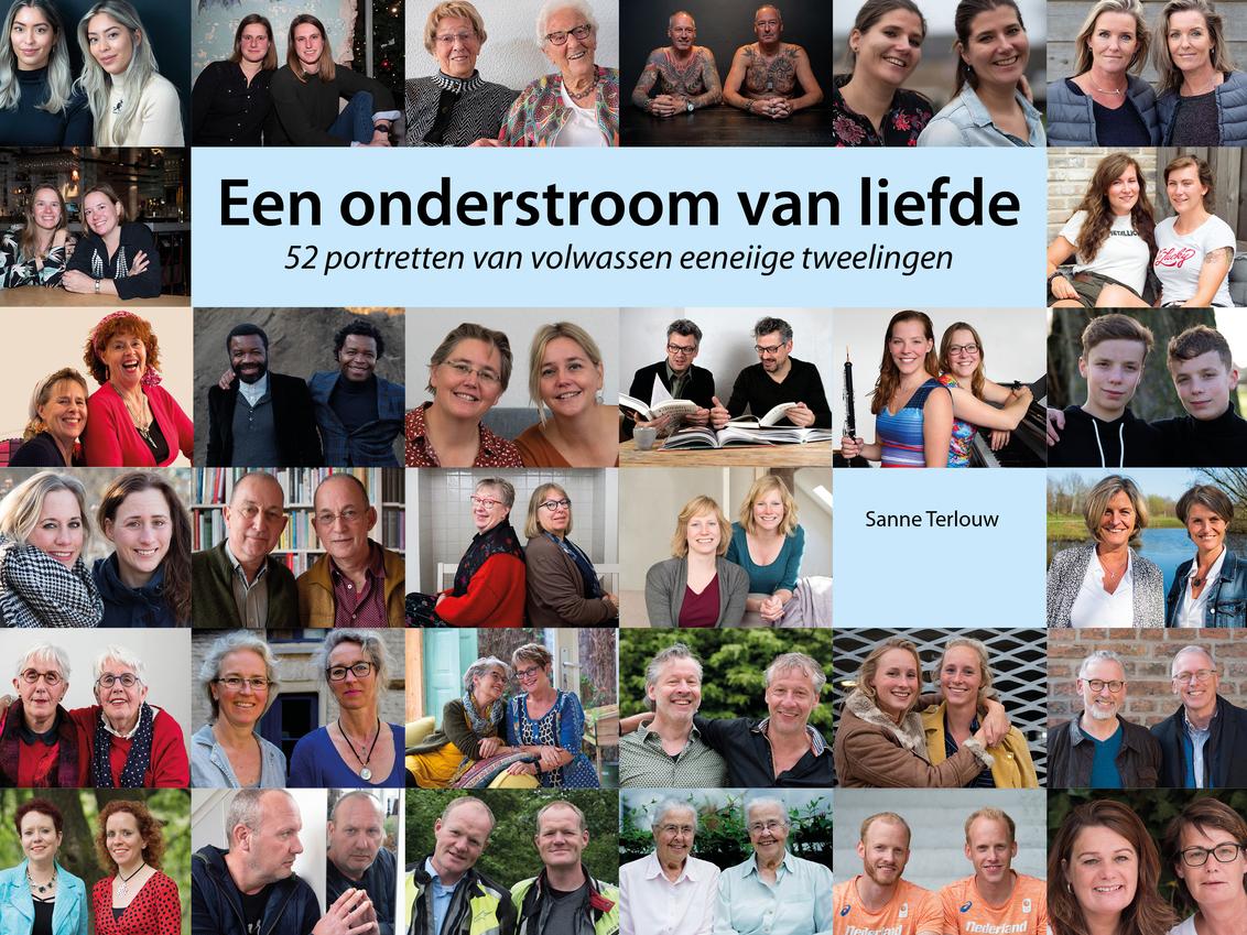 Tweelingboek - Mijn boek met foto's en interviews van 52 eeneiige tweelingen is nu te koop via www.sanneterlouw.nl.  Ik ben heel blij met het resultaat. - foto door SanneT op 25-02-2021 - deze foto bevat: tweeling
