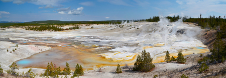Yellowstone - - - foto door Floriscal op 10-09-2015