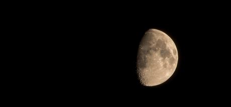 Maan boven 't Zand