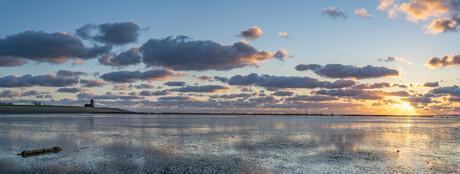 Pano van Wierum, Friesland met een prachtige wolkenstraat