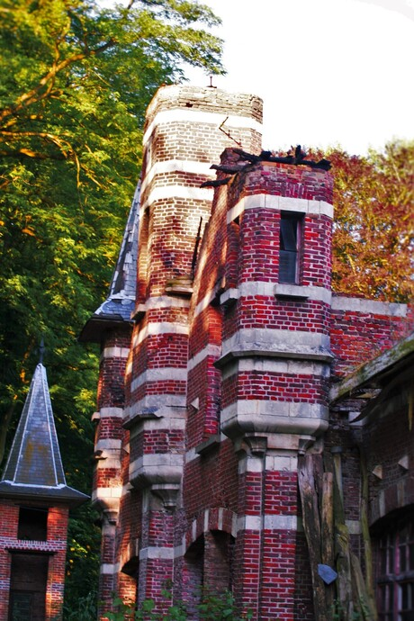 Ruinen castle In België.