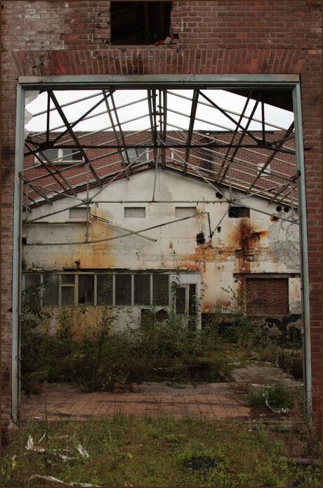verval van een conserven fabriek