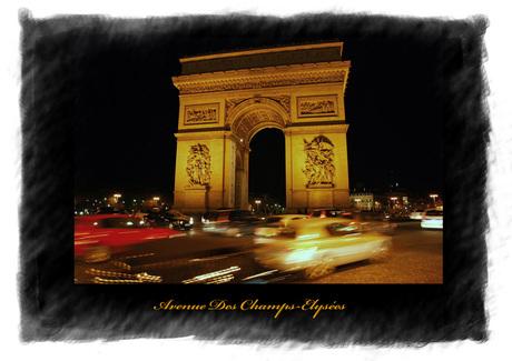 Avenue Des Champs-Elysée by night