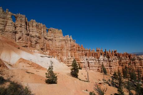 Wall of windows - Bryce Canyon