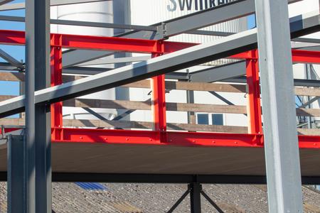 Onder constructie - Fabriekshal Lieshout onder constructie - foto door WillemH52 op 05-03-2021 - deze foto bevat: lijnen, architectuur, gebouw, groningen