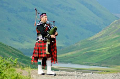 Piper in Schotland