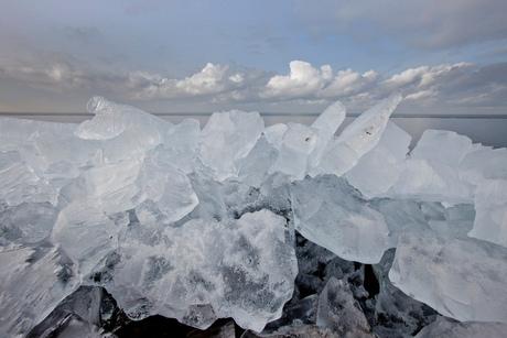 Kruiend ijs bij Almere