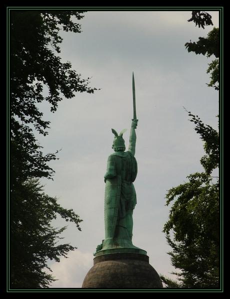 Hermans Denkmal