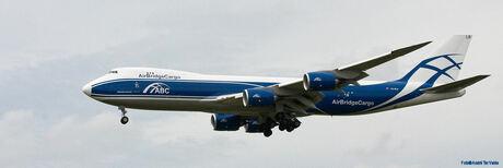 B-747-8
