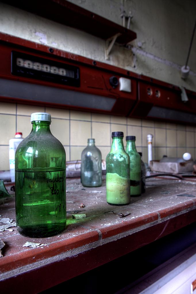 VEB Globus werke 2 - Op 22-11-2010 hebben Jos en ik een bezoek aan deze fabriek gebracht. In deze fabriek werden poets e.d. gemaakt voor auto's  Het is een hdr foto.  - foto door Jascha_400D op 09-12-2011 - deze foto bevat: oud, old, time, in, lost, germany, verboden, verlaten, vervallen, hdr, forbidden, duitsland, forgotten, ddr, tonemapping, decay, hoste, jascha, ue, VEB, werke, VEB Globus werke, Globus