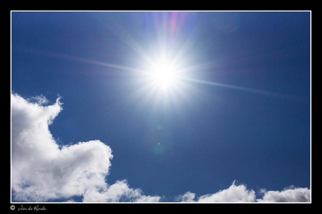 zonnetje - Deze foto gemaakt tijdens het heetste moment van de dag op GranCanaria , zaten met de auto in de bergen , en ben naar de top van de berg geklommen er - foto door rondejan op 09-03-2014 - deze foto bevat: zonnetje