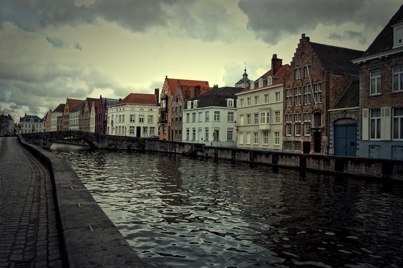 Brugge - Wederom een beeld uit Brugge. - foto door thuban op 26-03-2010 - deze foto bevat: water, stad, kanaal, gracht, belgie, brugge