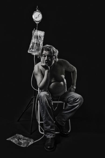 Buitengewoon - Een vriend van mij heeft een nierziekte en wacht op een nieuwe nier.  Hij wil de mensen laten zien dat het geen pretje is om 2 uur aan een slangetj - foto door jackyduck op 07-02-2014