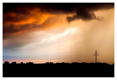 Uitzicht achtertuin voor storm...