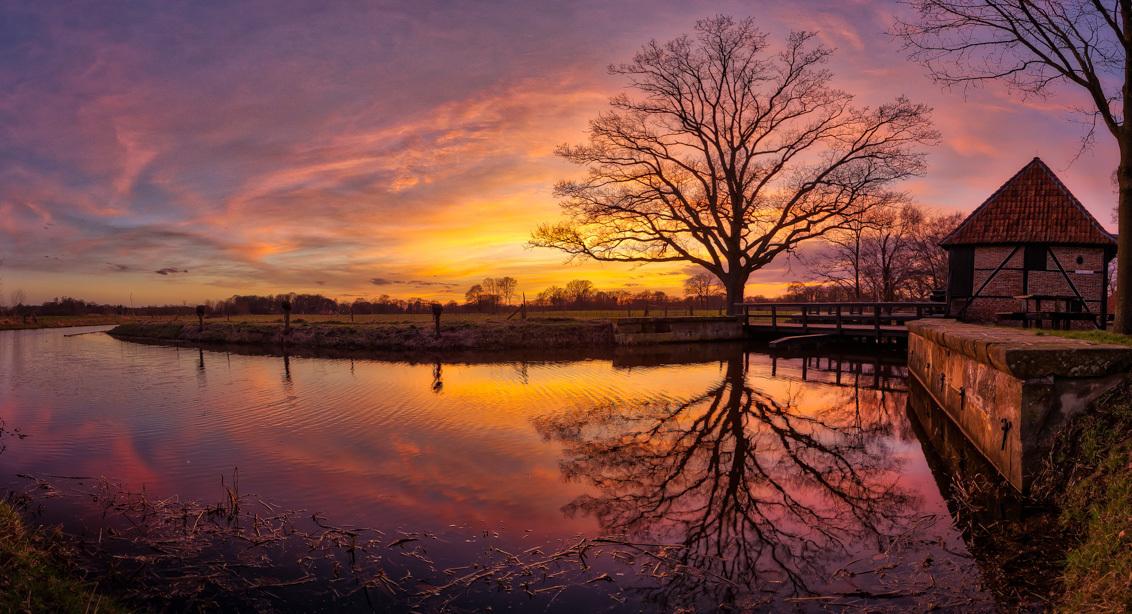 Zonsondergang Oelermolen - Zonsondergang bij de Oeler Watermolen - foto door GeKo op 28-02-2021 - deze foto bevat: zon, water, panorama, natuur, licht, avond, zonsondergang, landschap, hdr