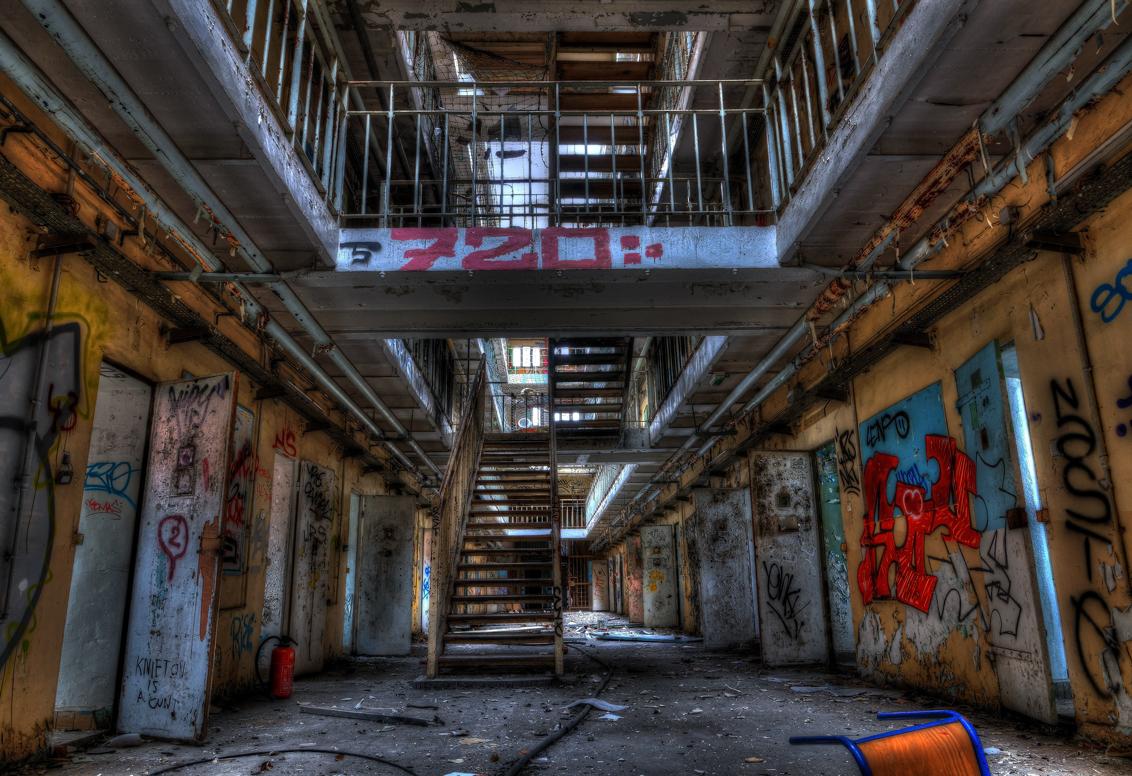 DSC00040_1_2_tonemapped - prison h15 - foto door dx3 op 08-11-2015 - deze foto bevat: bewerkt, bewerking, urbex, urban exploring, photomatrix