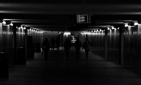 Onderdoorgang - Om van het ene naar het andere perron te komen kun je op het station van Hasselt gebruik maken van een onderdoorgang. daar is deze foto gemaakt. Juis - foto door josjoosten op 20-10-2009 - deze foto bevat: station, hasselt, jjvision