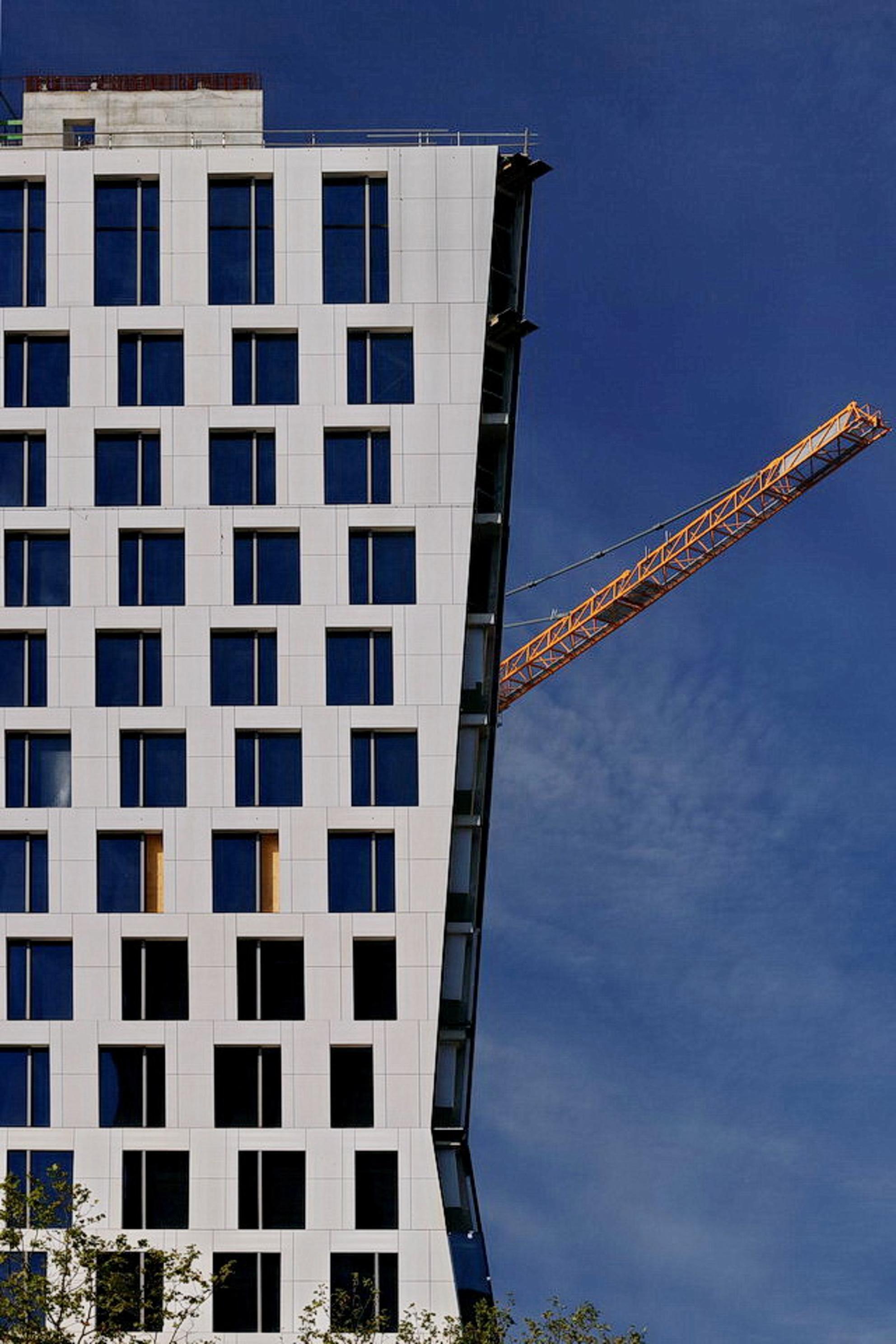 Zuidas Amsterdam. - ****.  22 september 2019. Groetjes Bob. - foto door oudmaijer op 21-10-2019 - deze foto bevat: amsterdam, licht, lijnen, architectuur, landschap, gebouw, stad, zuidas