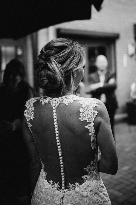 Here comes the bride - Wedding P+M - foto door feauteaux op 10-09-2020 - deze foto bevat: vrouw, trouwen, licht, portret, daglicht, canon, zwartwit, huwelijk, bruid, bruiloft, closeup, natuurlijk, sigma, bruidsfotografie