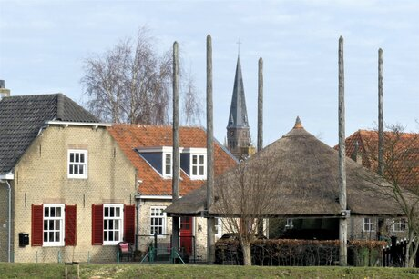 P1140257 Maasland Kerkweg . Doorkijkje naar kerktoren nr2 24 feb 2021