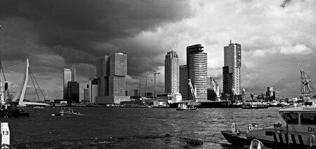 Kracht..... - ...... van Monochrome en een stad.... - foto door Foto60 op 31-05-2020 - deze foto bevat: licht, bewerkt, bewerking, zwartwit, sfeer, contrast, wallpaper, paint shop pro