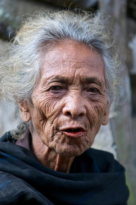 Bajawa -vrouw- 1.jpg