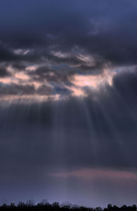 Zonnestralen of toch regenwolken