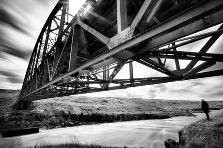 Closed bridge