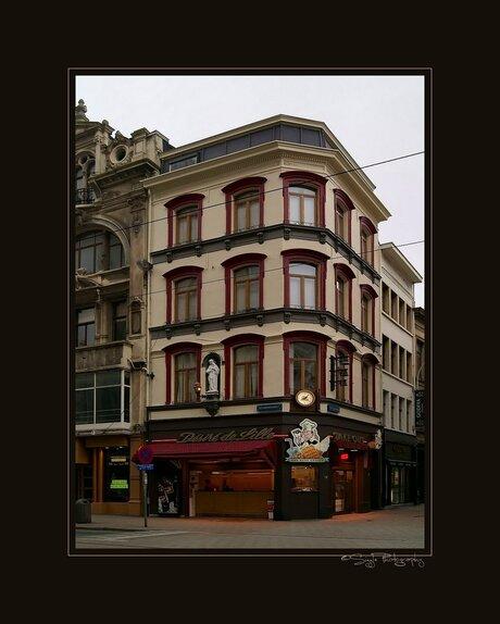 Hoekpand in Antwerpen