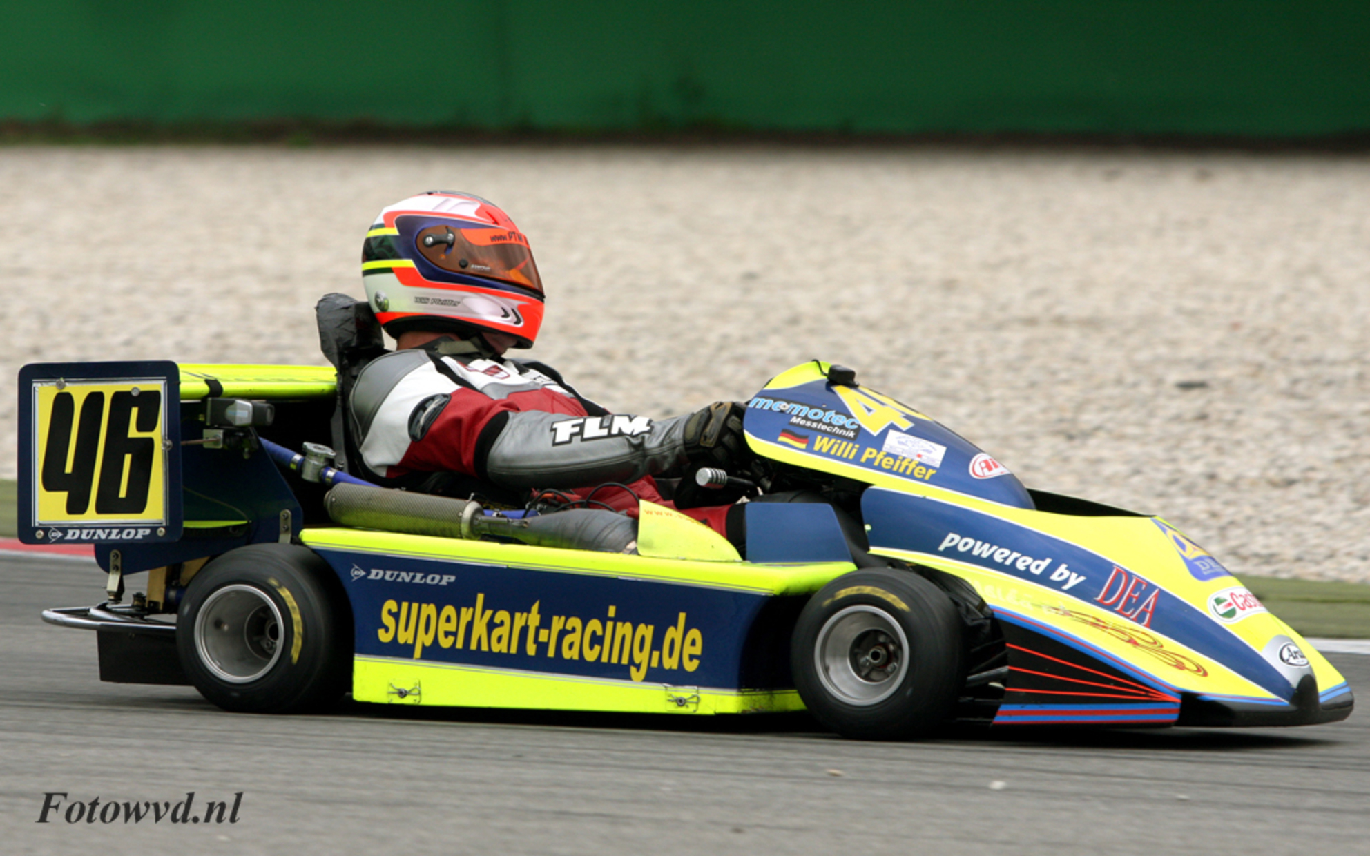 Rizla Racingday - European Superkart Championship de rijder is Willi Pfeiffer, ja als je perskaart van de baas een keer kunt gebruiken waarom dan niet. - foto door wvd op 18-08-2009 - deze foto bevat: assen, cart, rizla racingday