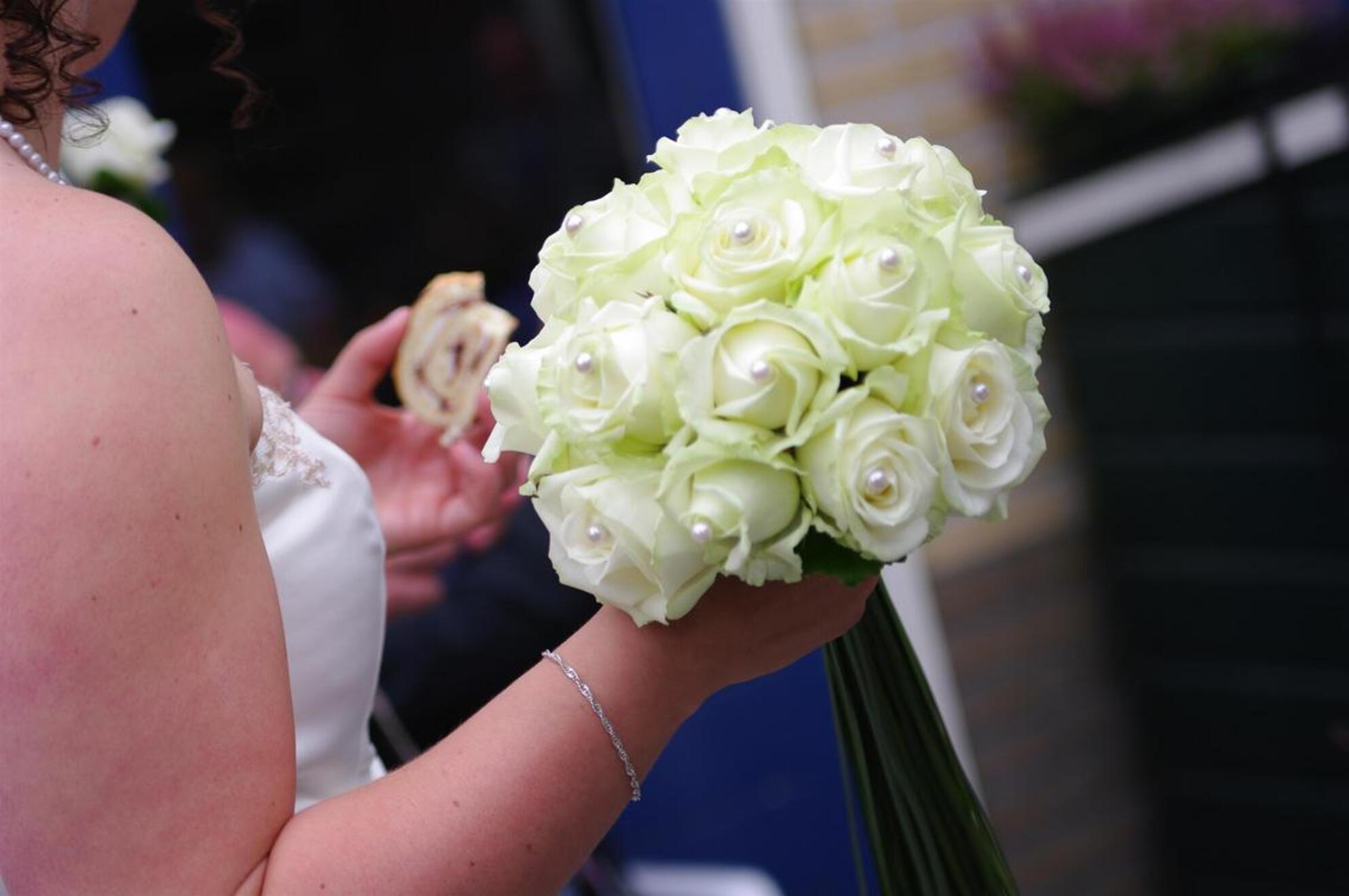 Bruidsboeket - - - foto door Alexander5592 op 08-01-2010 - deze foto bevat: trouwen, boeket, huwelijk, bruid - Deze foto mag gebruikt worden in een Zoom.nl publicatie
