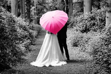 Bruiloft met paraplu
