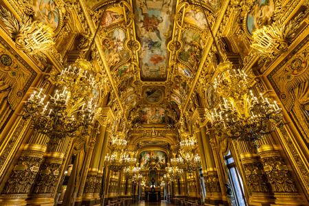 Opera - - - foto door Jheronimus op 12-01-2017 - deze foto bevat: oud, frankrijk, architectuur, parijs, gebouw, kunst, stad, theater, hdr, opera