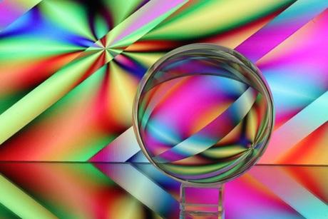 Glazenbol met kleuren